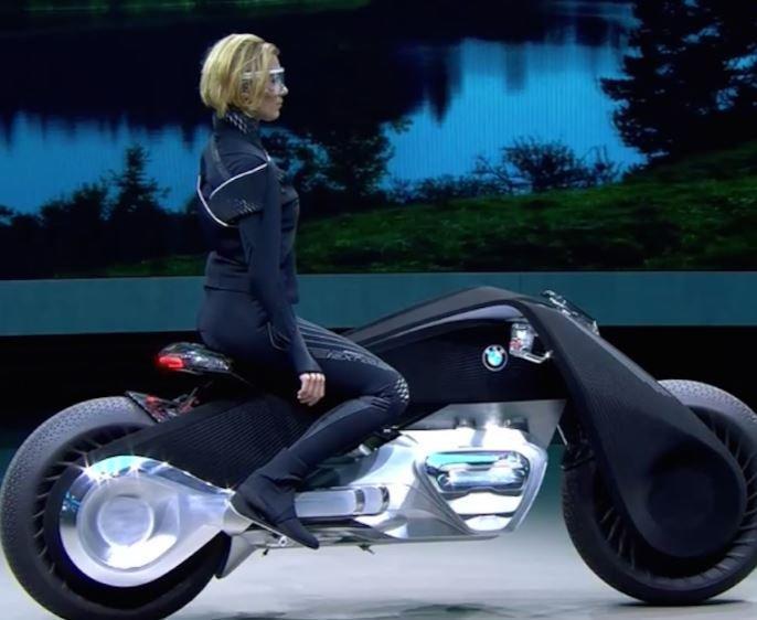 BMW продемонстрировал мотоцикл будущего »