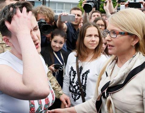 """Тимошенко считает Савченко """"героем"""" за поездку в РФ »"""