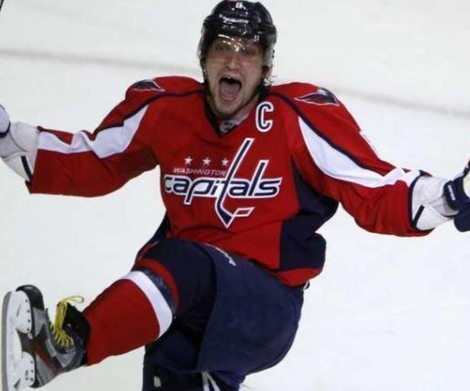 Стало известно, кого признали первой звездой дня в НХЛ »