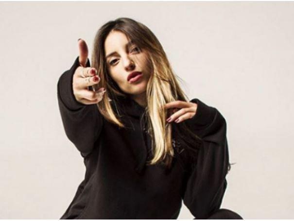 Украина ввела запрет на въезд в страну исполнительнице Kristina Si »