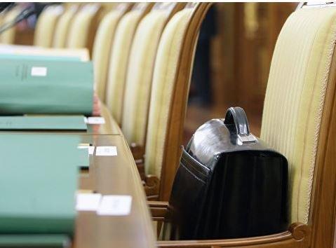 RT: российские чиновники получат повышение зарплат на 38% »