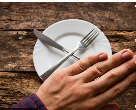 Диетологи обнаружили неожиданную пользу отказа от ужина »