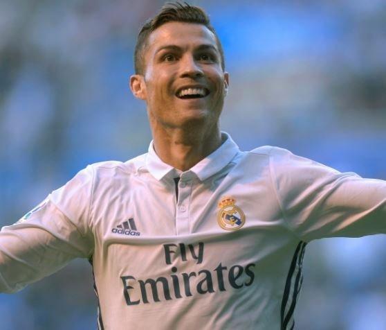 Стал известен самый высокооплачиваемый футболист в истории (видео) »