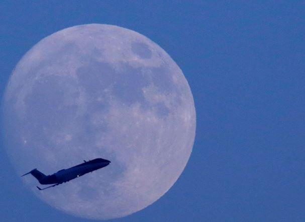 Стало известно, когда первый россиянин высадится на Луну »