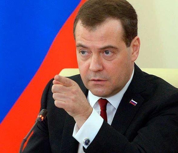 В начале заседания правительства Медведев сказал несколько слов об Улюкаеве »