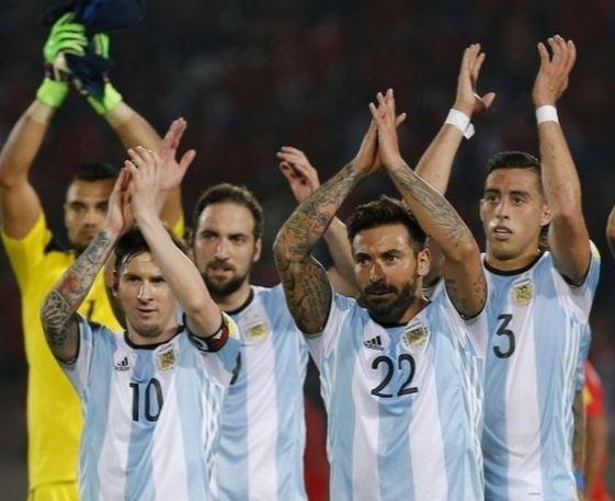Аргентинская сборная во главе с Месси решила бойкотировать журналистов »