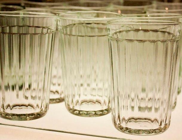 МВД сообщило, что жители РЫ стали получать вместо смартфонов граненые стаканы »