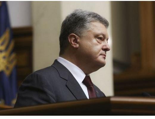 СМИ рассказали о 6-часовом допросе Порошенко по делу о Майдане »