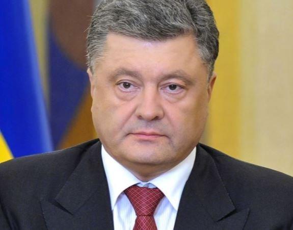Порошенко сообщил, что у украинской экономики есть признаки выздоровления »