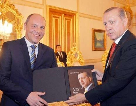 Парубий сообщил, что Эрдоган выражал поддержку блокаде Крыма »