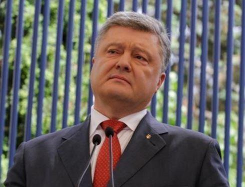 Данные опроса: Около 70% украинцев против политики Порошенко »