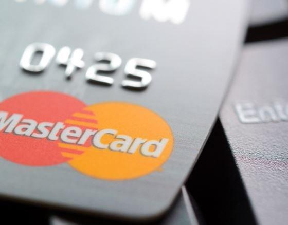 ФАС задумалась возбудить дело на Visa и MasterCard »