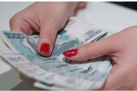 В России планируют запретить крупные покупки за наличные »
