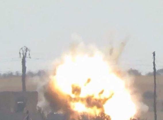 На базе ВВС США в Сирии слышны взрывы »