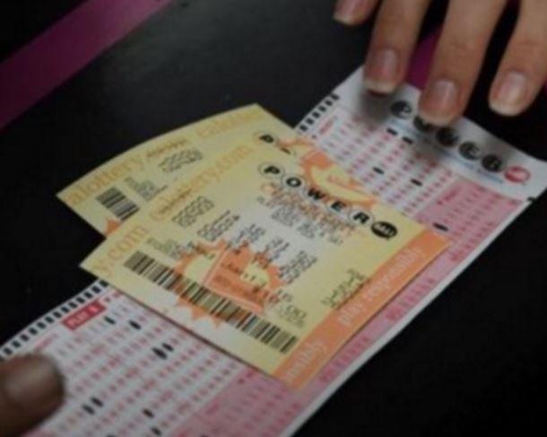Американец смог выиграть в лотерею 420 мллионов долларов »