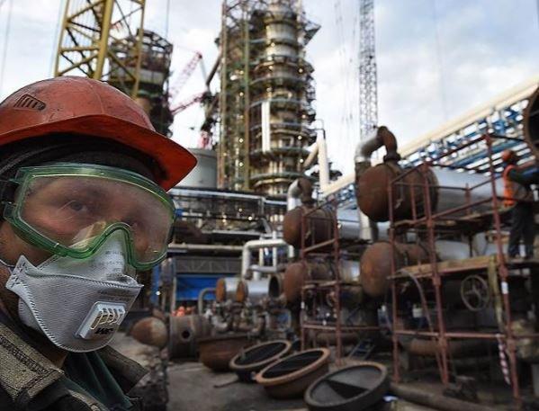 СМИ: Цена российской нефти Urals может превысить цену на Brent »