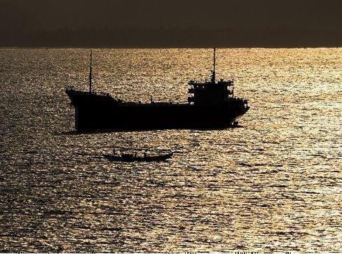 У берегов Бенина был захвачен корабль, на борту которого, предположительно, россияне »