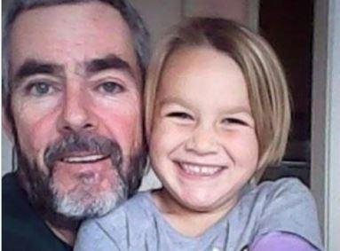Новозеландец с дочерью смогли выжить после месяца на сломанной яхте в Тасмановом море »