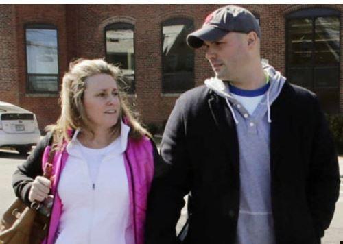 Женщина вышла за пожарного, который спас ее во время Бостонского марафона »