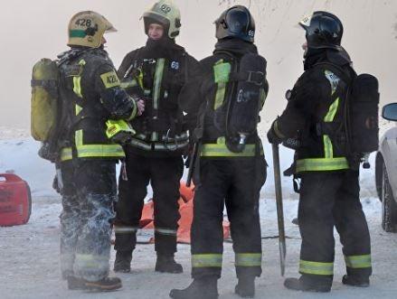 """В Новосибирске из полыхающей комнаты был спасен неадекватный """"человек-паук"""" »"""