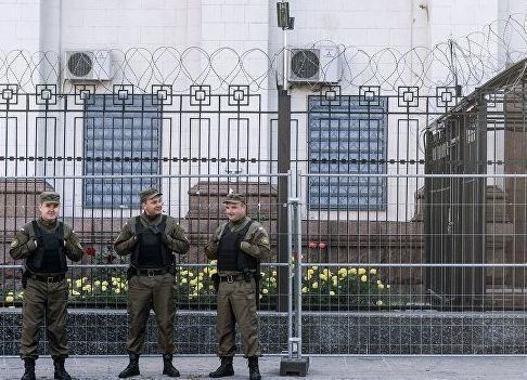В Киеве было одобрено расторжение договоров аренды участков с посольством РФ »