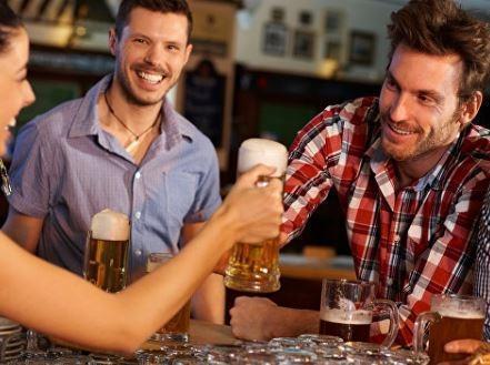 Ученые определили, в чем отличие мужской дружбы от женской »