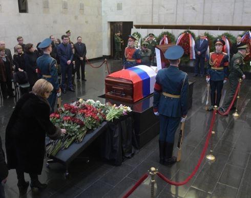Захарова о Чуркине: Навзрыд плакали даже его главные оппоненты »