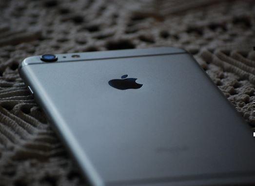 Россиянин считает, что Apple мошенничает с памятью в iPhone »