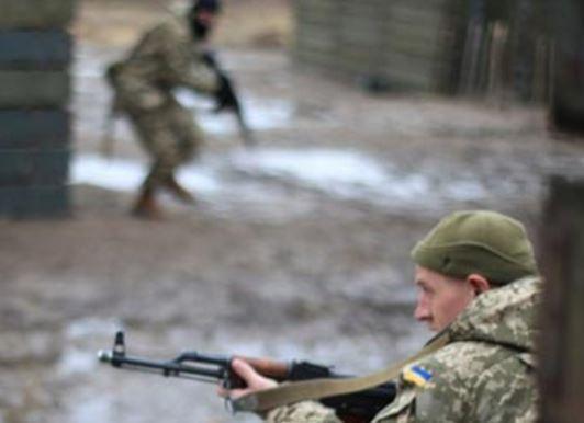 ВСУ и «Правый сектор» начали воевать друг с другом, есть жертвы »