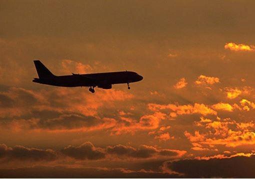 В США самолет остановил рейс из-за отказа пассажира заплатить за плед »