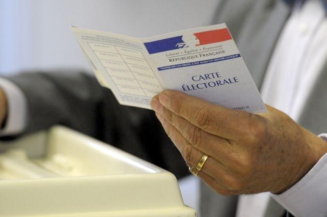 Первый тур президентских выборов во Франции расколол общество