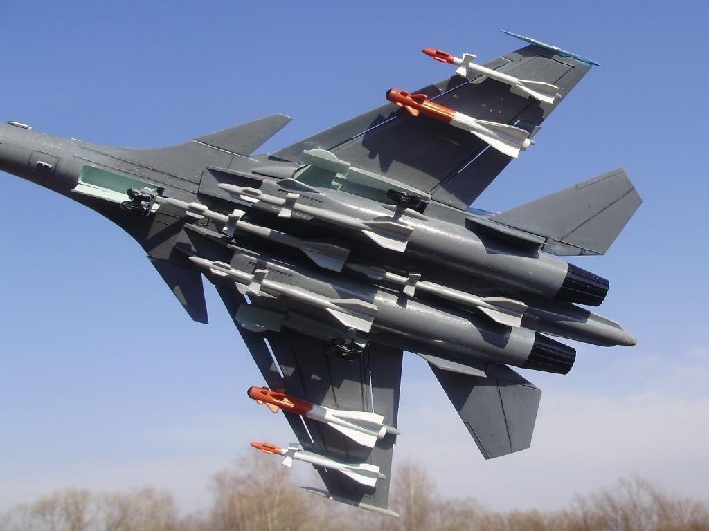 Су-35С осуществили перехват самолетов условного противника