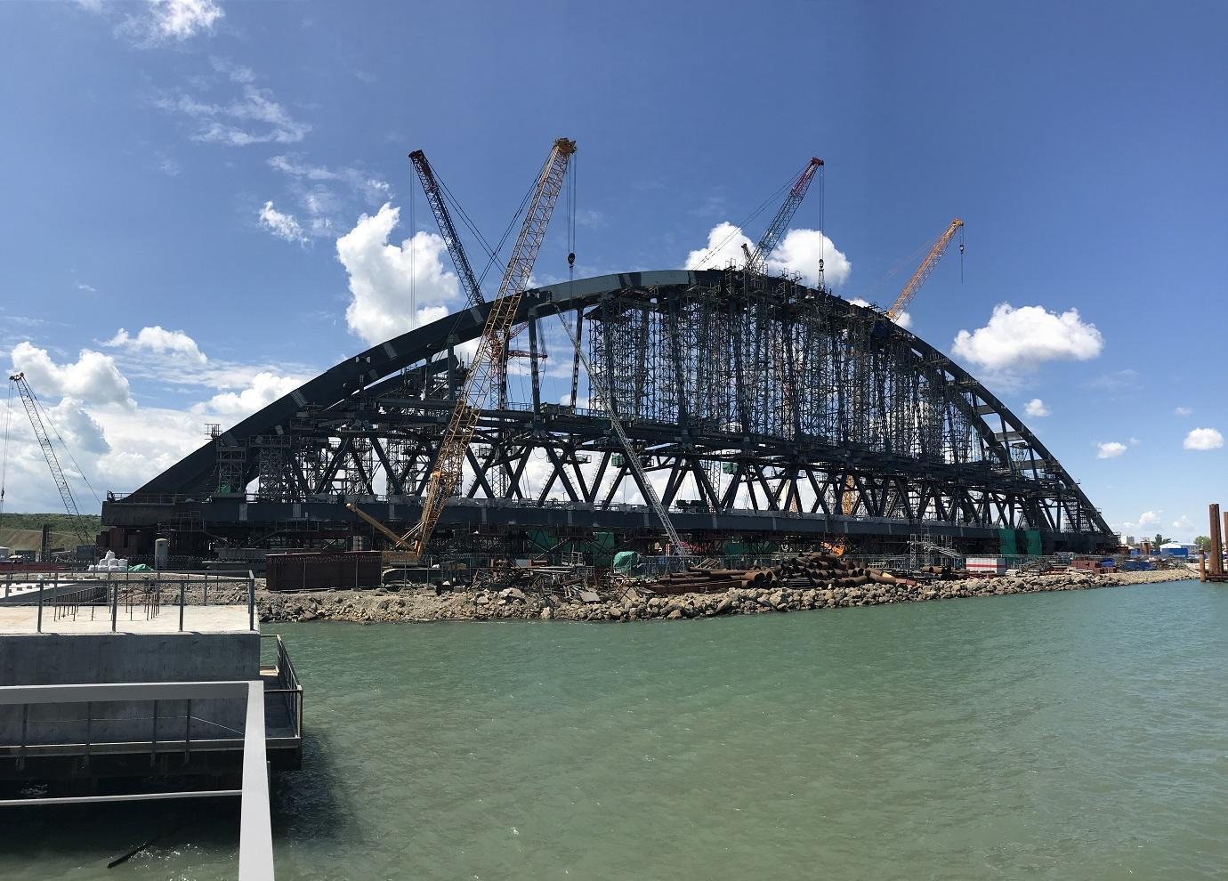 Киев жалуется на грядущие убытки из-за строительства моста через Керченский пролив