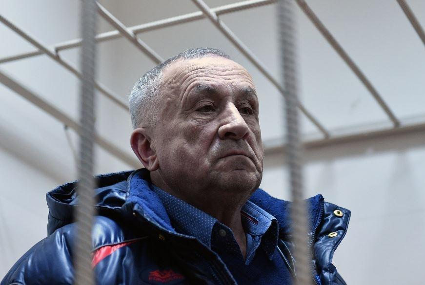 Суд наложил арест на 8 квартир и частный дом экс-главы Удмуртии