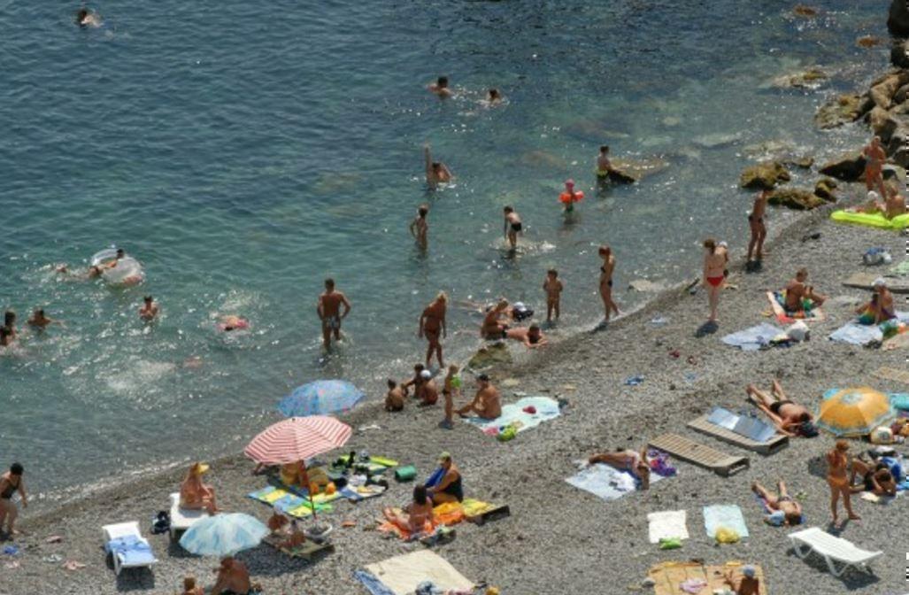 Украинцы активно стремятся в отпуск в Крым