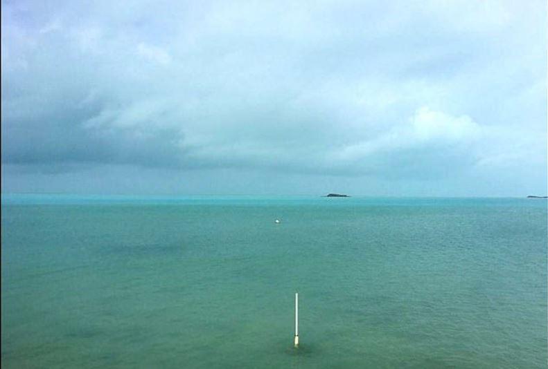 """""""Ирма"""" украла океан! Редчайшее явление — из-за урагана осушено побережье Багамских островов"""