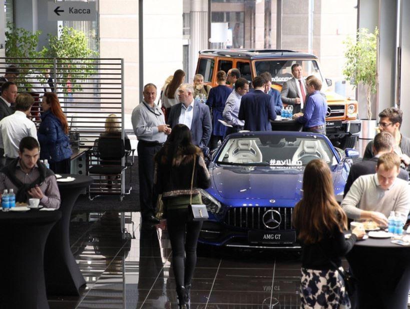 Россияне вновь стали покупать автомобили