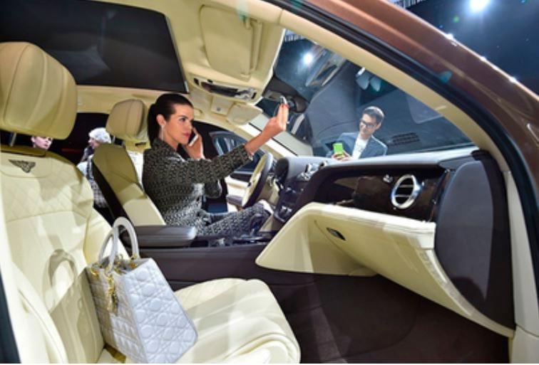 Стали известны неожиданные автомобильные предпочтения богатых россиян