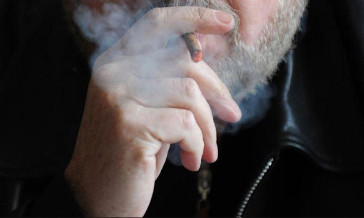 Онищенко поведал, сколько человек в РФ ежегодно гибнет от никотина