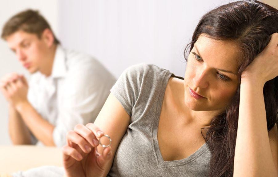 Ученые узнали, почему женщины не хотят вступать в отношения