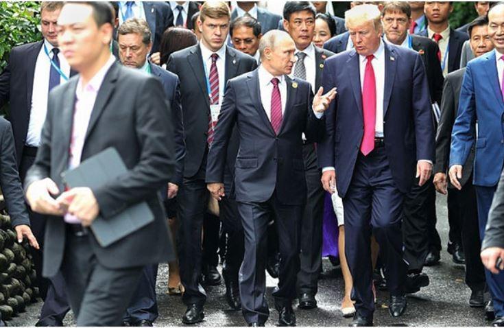 Экс-глава ЦРУ поведал о влиянии Путина на Трампа