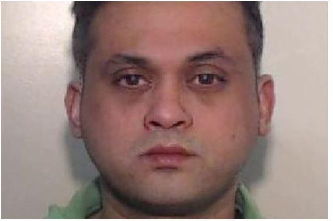 Британка попросила зарядить сотовый и подверглась изнасилованию
