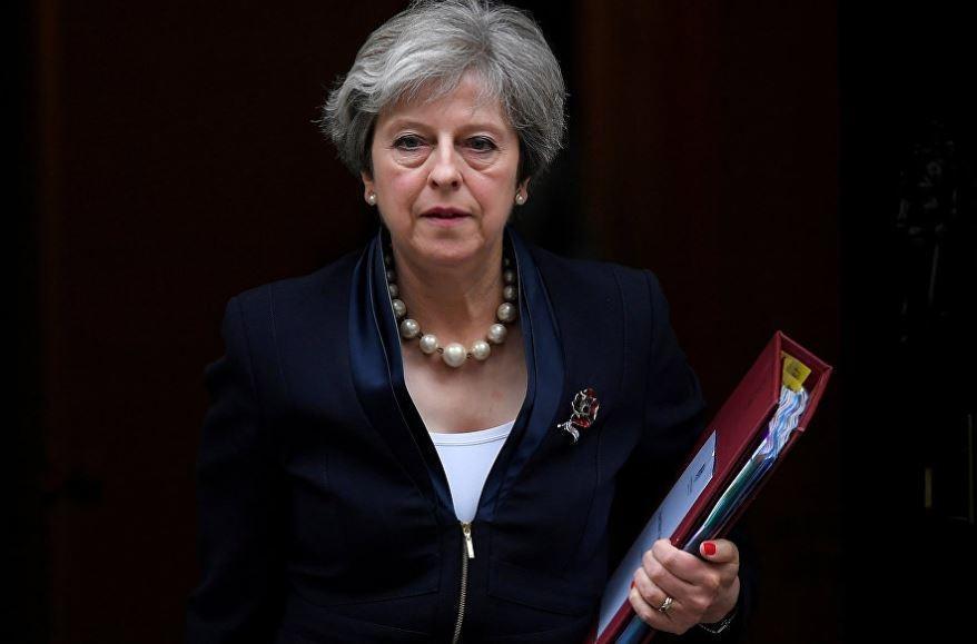 Тереза Мэй угрожает РФ. Почему на самом деле это капитуляция Британии