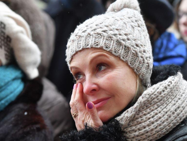 Вдову Евгения Евстигнеева хочет выставить на улицу пасынок
