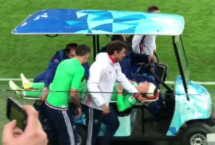 Вратарь сборной РФ тяжело травмирован в матче с Испанией