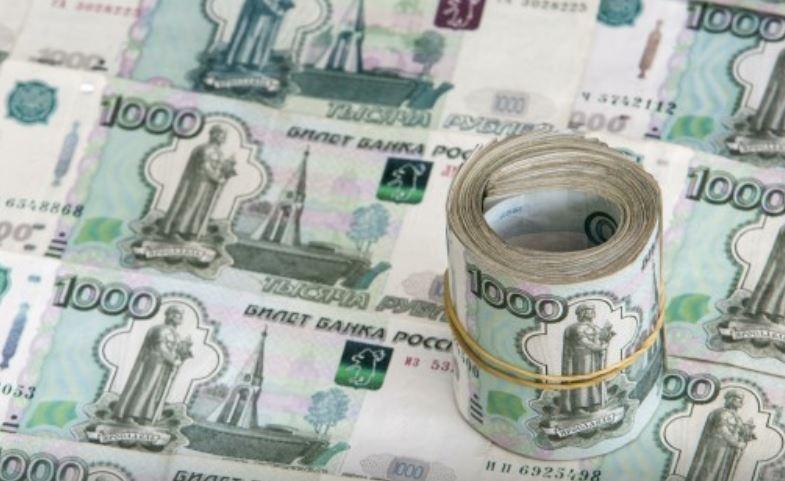 Россияне задолжали банкам практически годовой доход страны