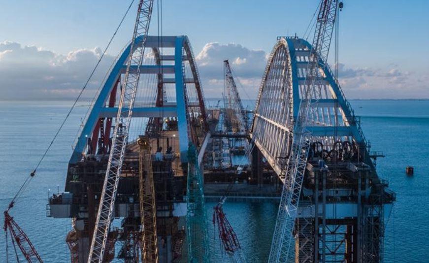 Мост в Крым хотят назвать