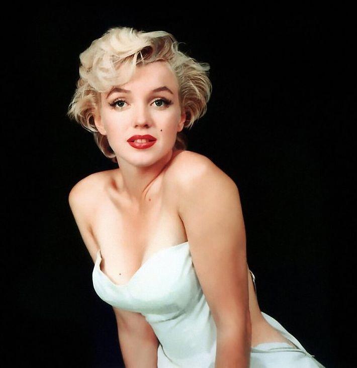 16 самых известных и красивых блондинок мира