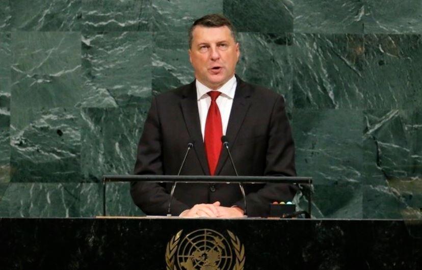 Президент Латвии: нашей стране нужно стать донором Евросоюза