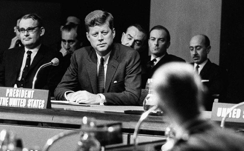 Президент США Кеннеди разрабатывал план ядерной войны с Советским Союзом